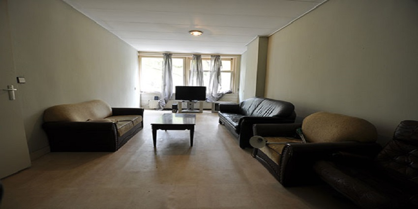 Five room apartment offered for rent on the Dordselaan in Rotterdam Zuid.