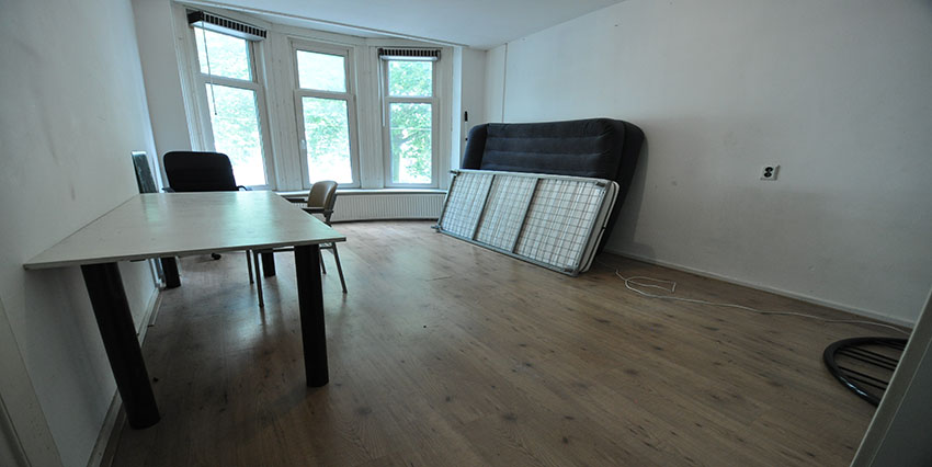 Student rooms for rent on the Beukelsdijk in Rotterdam Center.