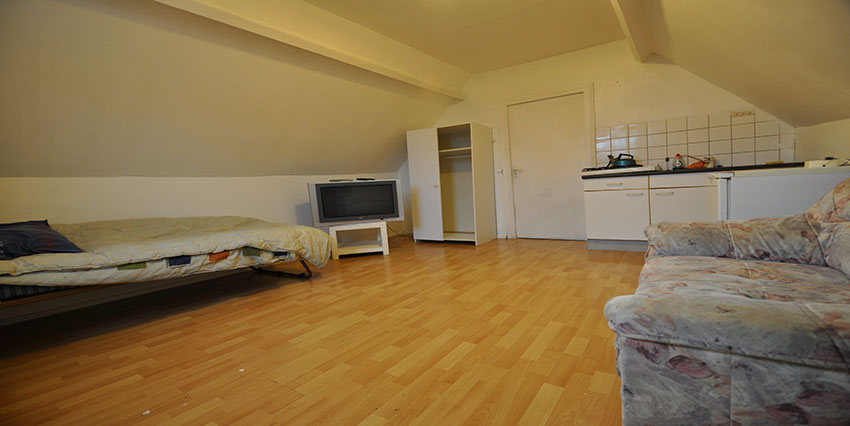 Rent furnished studio (ALL-INCLUSIVE) in 's-Gravendijkwal, Rotterdam Center.