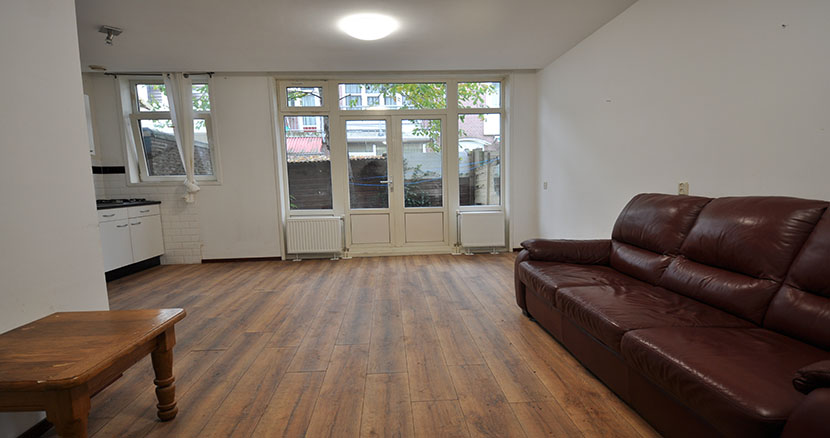 For rent 2 rooms Apartment offered on the Van Malsenstraat in Rotterdam South.