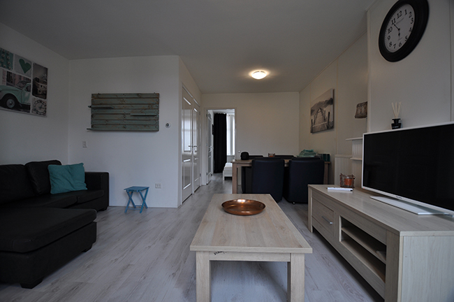 For rent furnished two room apartment on the J.A. Alberdingk Thijmstraat in Schiedam.